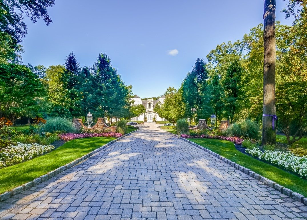Luxury Custom Built Home in Franklin Lakes NJ